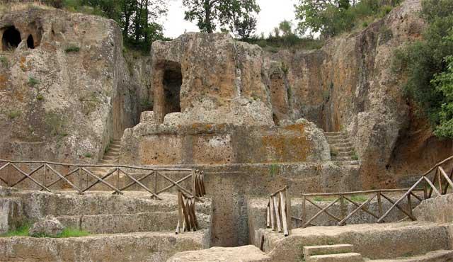 sovana-necropolis-etruscan